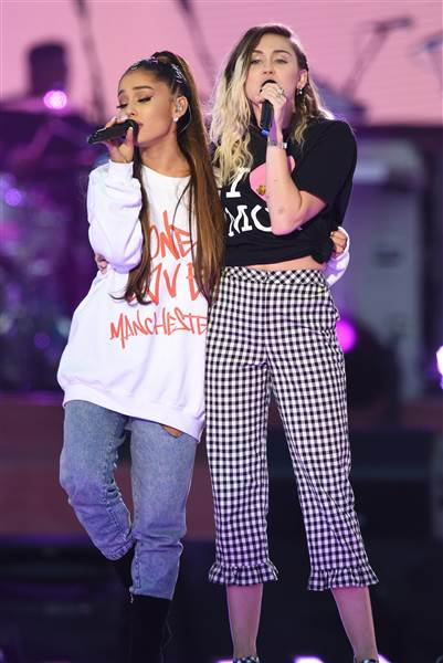 ariana-grande-miley-cyrus-manchester-170604-inline_425ed53ce7c83523d366a43559bcb47e.today-inline-large